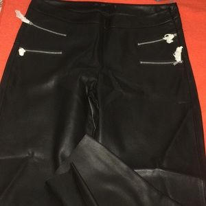 Zara Basic Blk Cropped Faux Learher Pants L